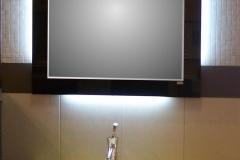 27. specchio MIRALIT nero con neon perimetrali sui 4 lati